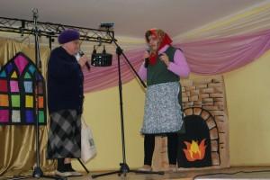 Janina Misiak i Elżbieta Oknińska w wiejskich pogaduchach